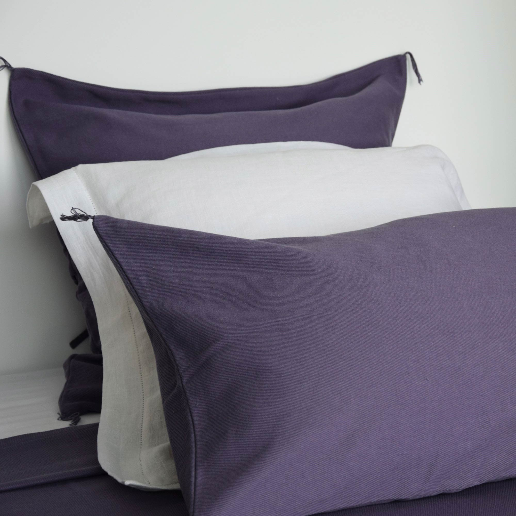 dessus de lit en coton stone washed violet. Black Bedroom Furniture Sets. Home Design Ideas