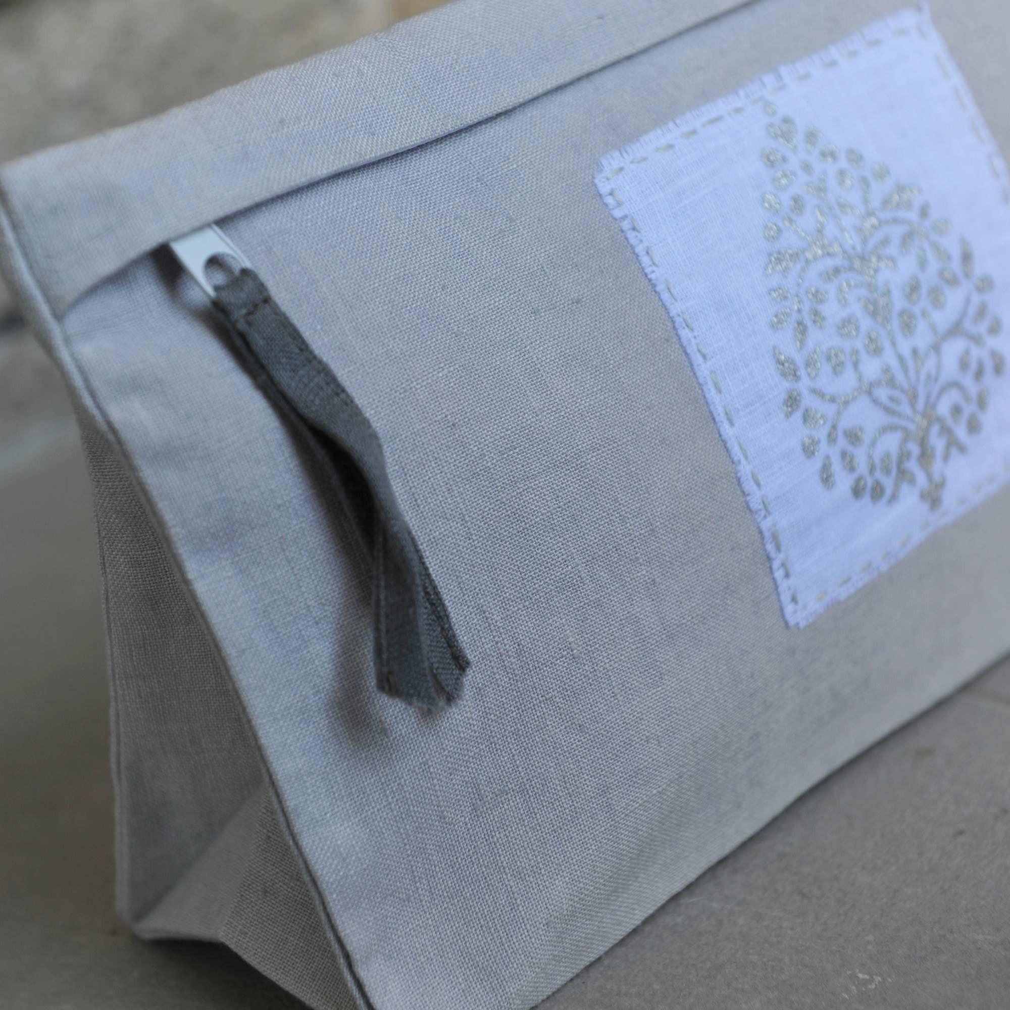trousse de toilette louise gris paillette medium. Black Bedroom Furniture Sets. Home Design Ideas