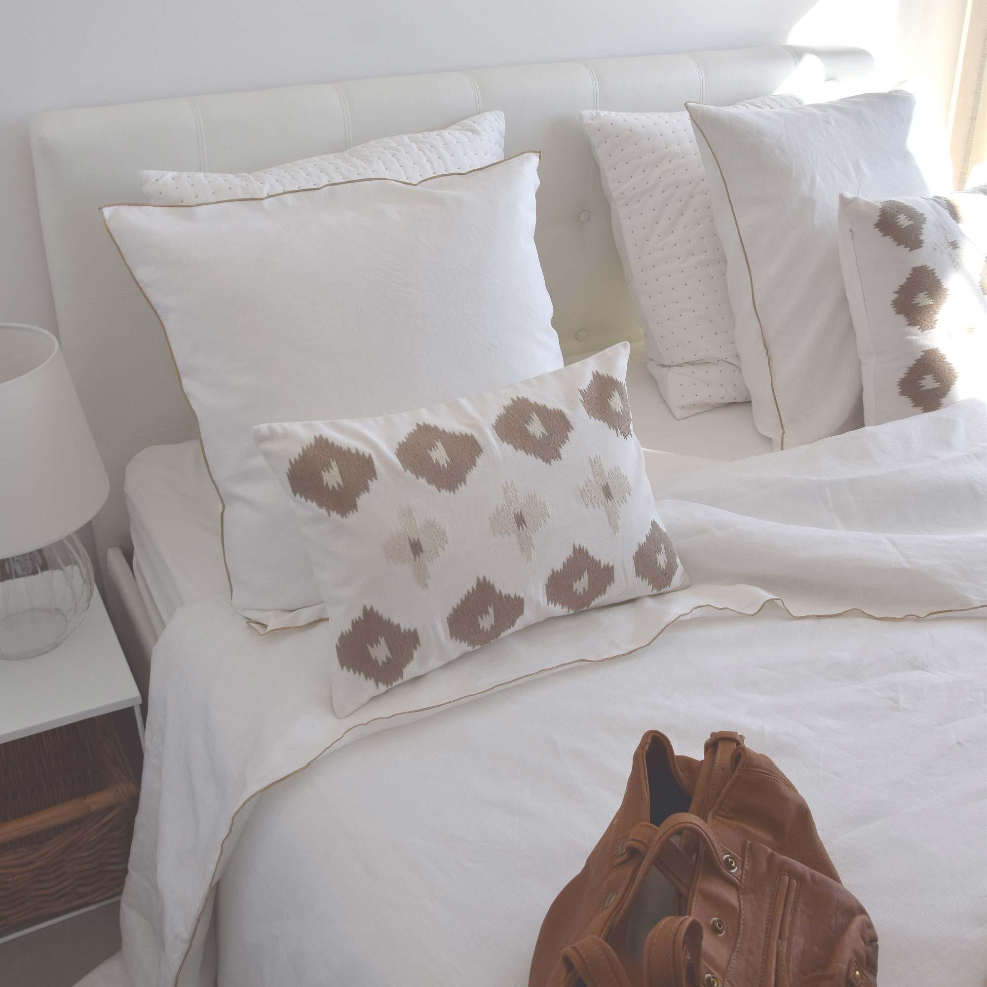 housse de couette en lin lav blanc bourdon naturel. Black Bedroom Furniture Sets. Home Design Ideas