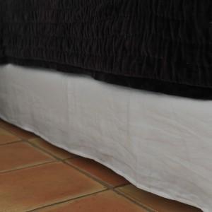 Cache sommier lin lavé blanc