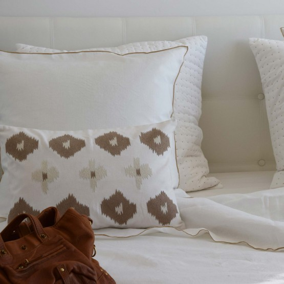 White washed linen pillow case with natural bourdon stitching
