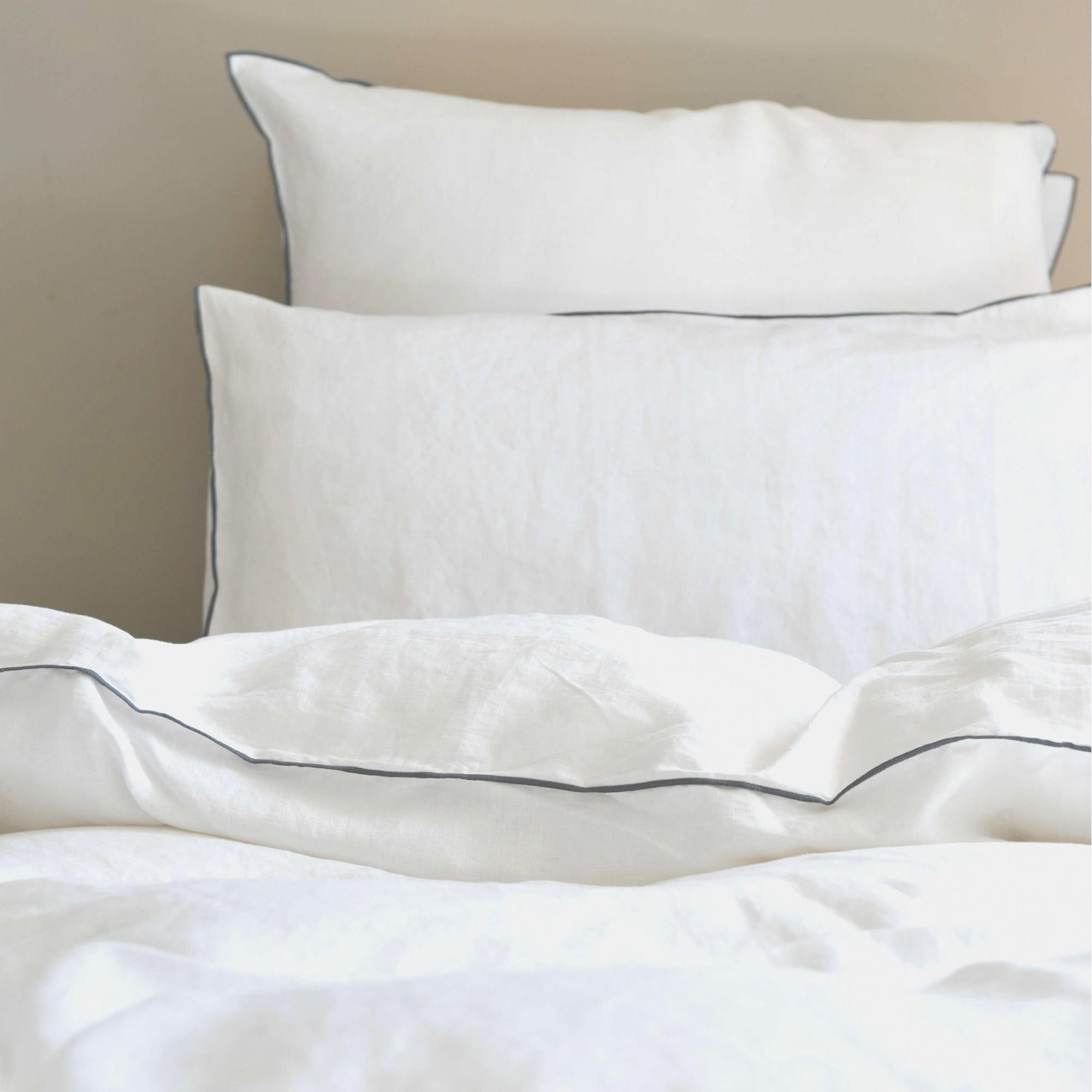 Housse de couette lin lav blanc bourdon gris maison d 39 t - Housse de couette lin blanc ...