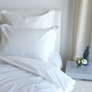 White percale pillowcase 200 TC embroidery awl