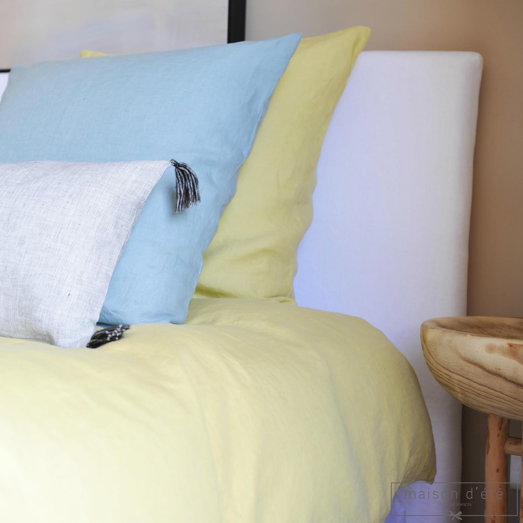 taie d 39 oreiller en lin lav bleu du nil. Black Bedroom Furniture Sets. Home Design Ideas