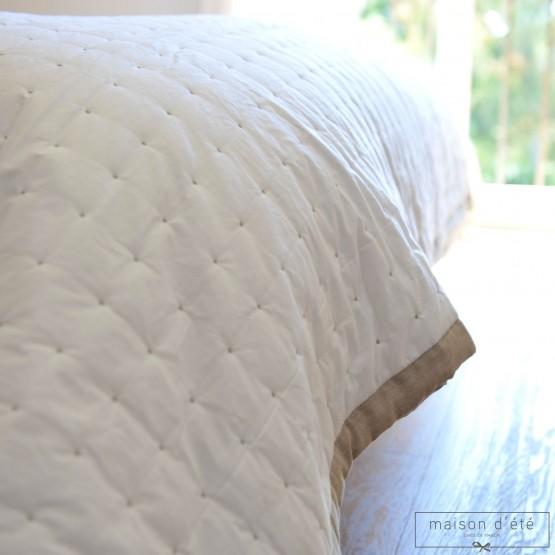 Dessus de lit blanc Marion - plumetis et bordure naturel