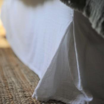 Cache sommier en gaze de coton blanc
