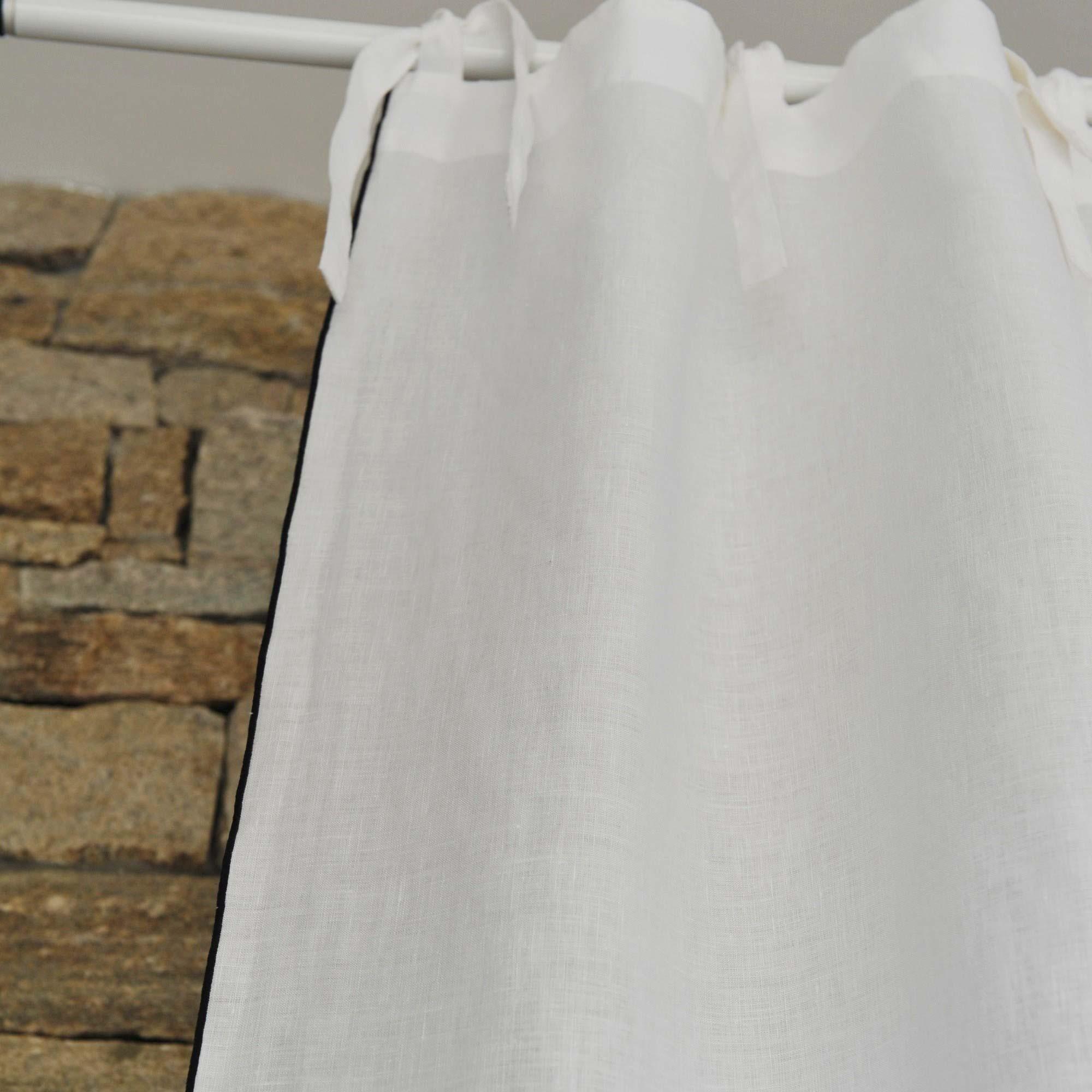rideau lin blanc bourdon noir maison d 39 t. Black Bedroom Furniture Sets. Home Design Ideas