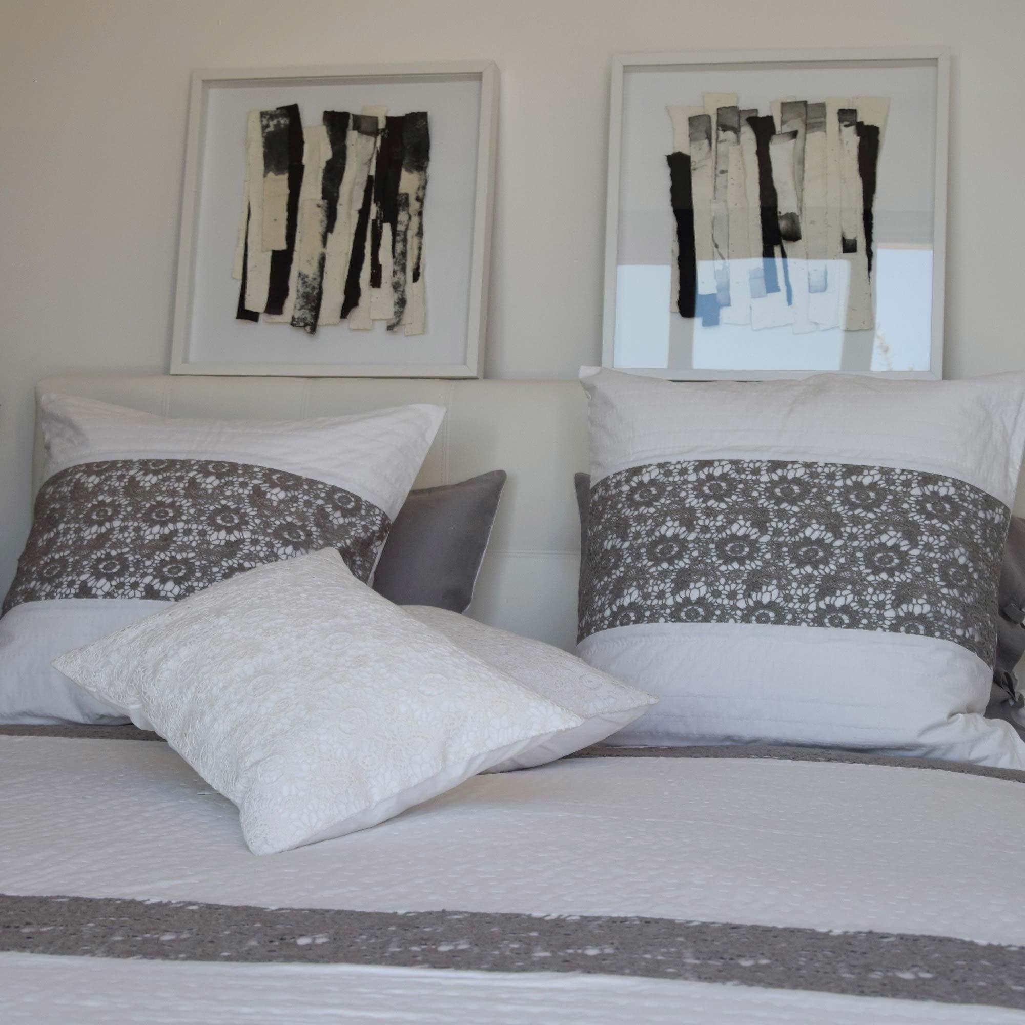 couvre lit blanc et noir White and gray Nantes bedspread   Maison d'été couvre lit blanc et noir